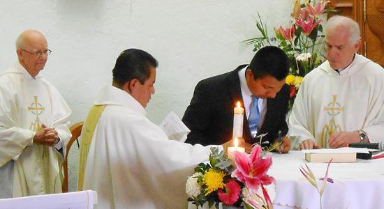 At the vow profession in Querétaro, Mexico: Fr. Quentin Hakenewerth, Fr. Raymundo Domínguez González, sector superior, Bro. Rigoberto, and Fr. Marty Solma, provincial