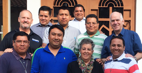 Marianist brothers in the Sector of Mexico recently completed a year-long course in teaching methods and educational leadership in preparation for opening an educational ministry. The team included, front row: Bros. Juan Manuel Azamar and Nereo Ramírez Hernández, Dr. Rita Ferrini (instructor) and Bro. Juan Paul Espinoza Chávez. Back row: Frs. John Thompson and Raymundo Domínguez González, Bros. Rigoberto Martínez Hernández, Régulo García Hernández, Fermín García García and Fr. Marty Solma.