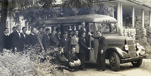 brothers-bus-brownhurst-1941-fol